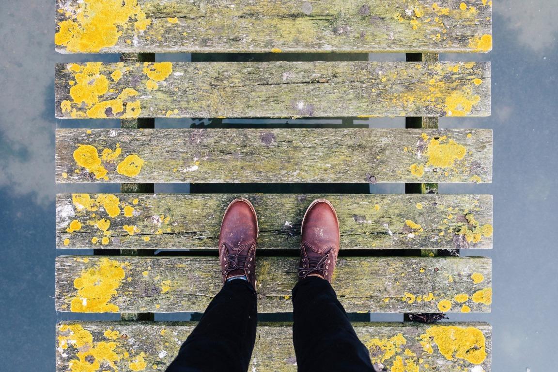 feet people-2590619_1920
